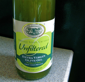 Unfiltered olive oil